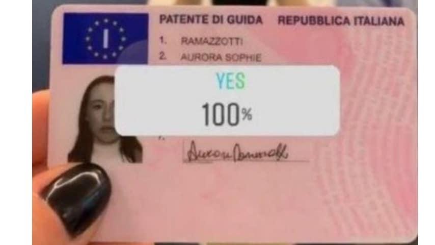 Aurora Ramazzotti è felice: fialmnte ha la patente