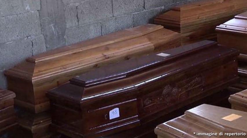 7 bare sparite dal cimitero di Vibo Valentia