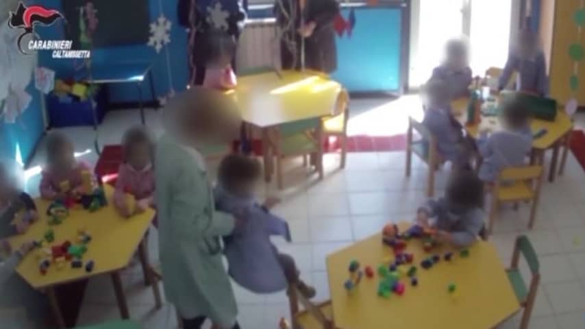 Caltanissetta: maestra d'infanzia arrestata