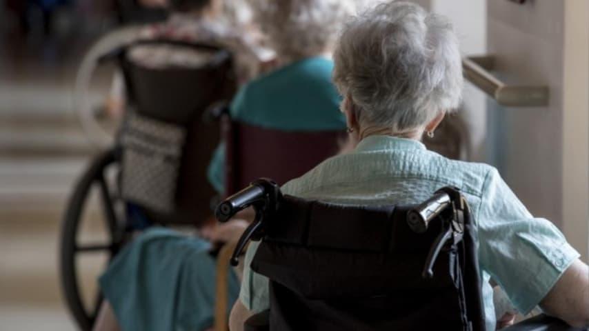 Bologna, casa di riposo degli orrori: un'anziana è stata addirittura stuprata