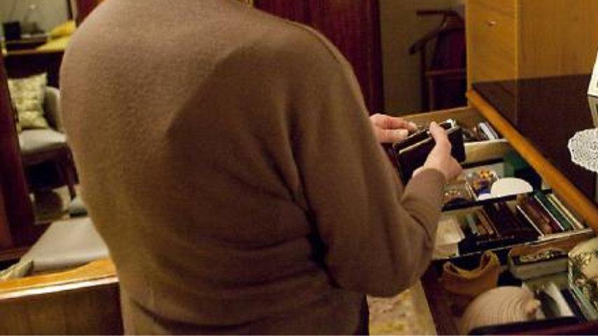 Frosinone, anziana arrestata per furto di energia elettrica