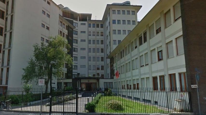 Milano, epidemia di scabbia nella casa di riposo