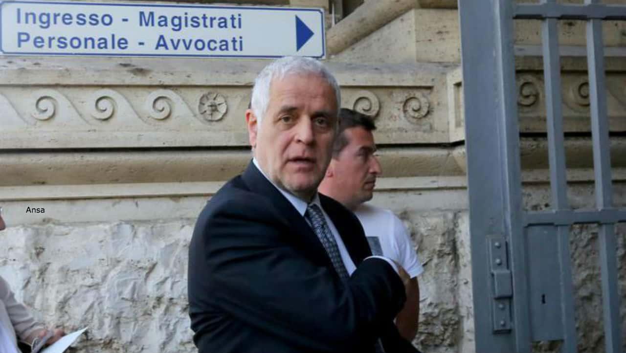 Roberto Formigoni si è costituito nel carcere di Bollate