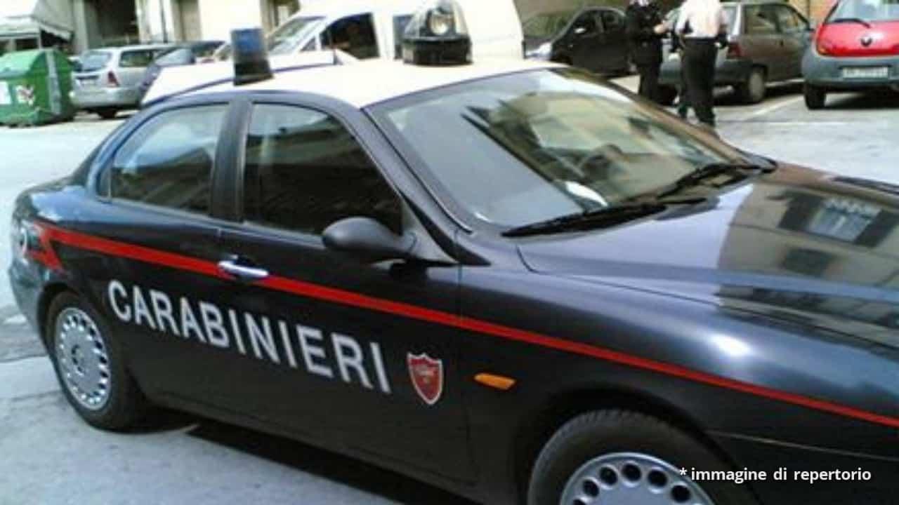 Padova, durante una lite lei scappa e lui si uccide