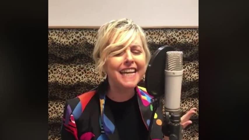 Nadia Toffa: l'esordio come cantante
