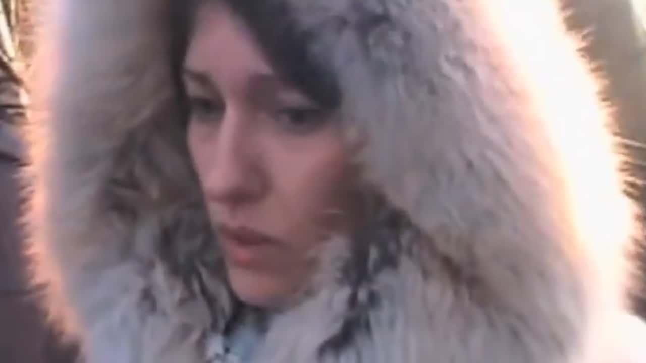 Russia, il marito la tradisce, lei rapisce, tortura e brucia viva l'amante