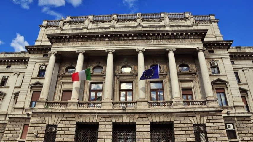 Trieste: is isuicida il giorno prima del processo per maltrattamenti del marito