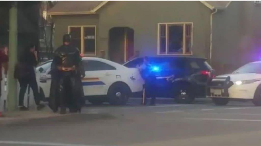 Batman sulla scena del crimine