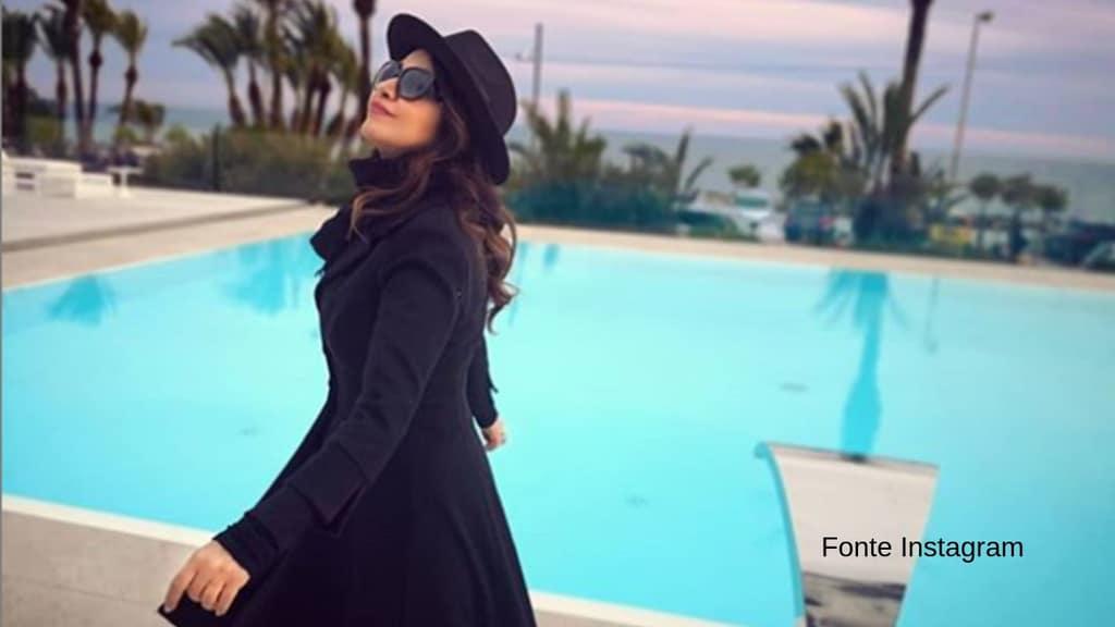 Cristina D'Avena a bordo piscina