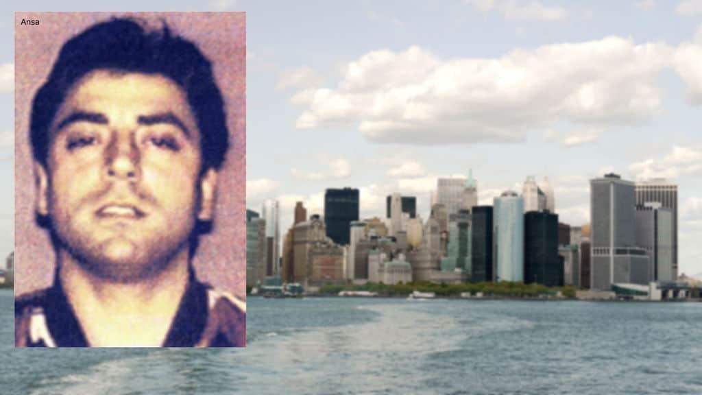 Francesco Cali, sullo sfondo Staten Island