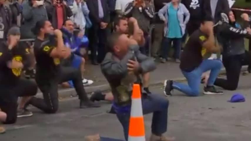 La danza Maori in onore delle vittime