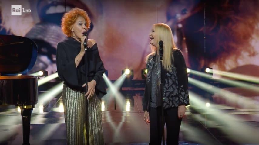 L'esibizione di Patty Pravo e Ornella Vanoni