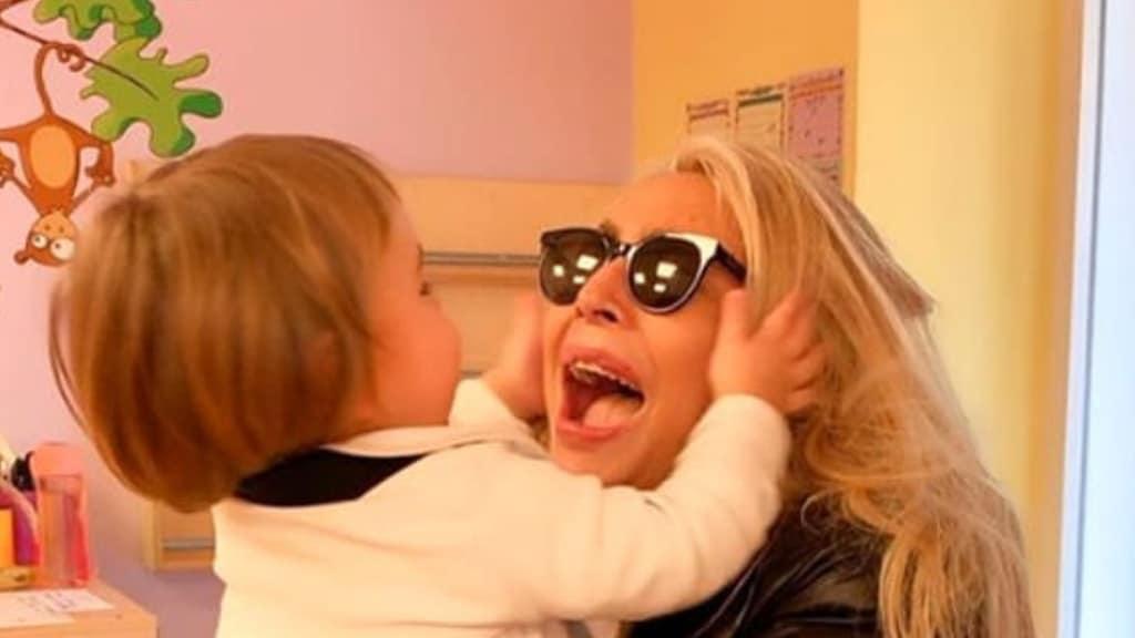 Mara Venier nonna a tempo pieno