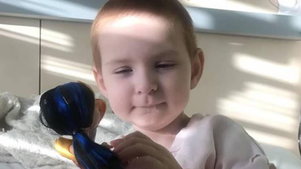 Isla ha soli 5 anni ed è riuscita a sconfiggere un raro cancro