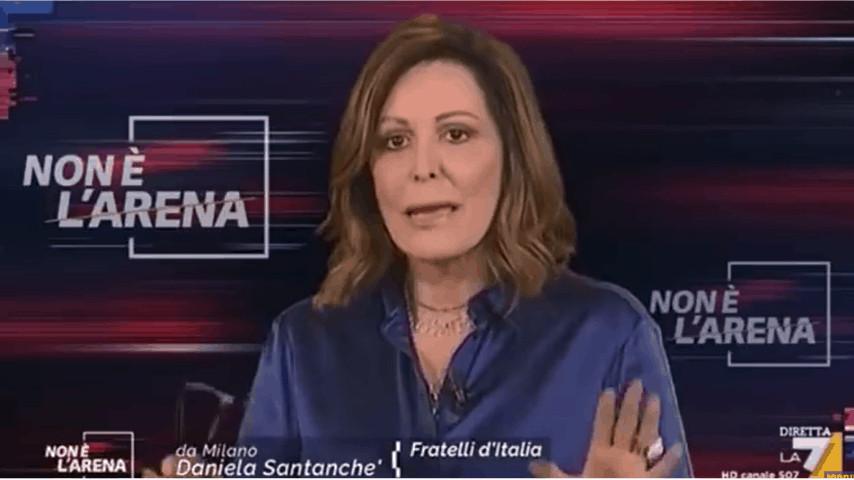 Fermo immagine della senatrice Santanchè durante Non è l'Arena