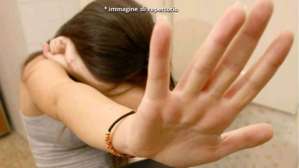 Immagine di repertorio, vittima di abusi