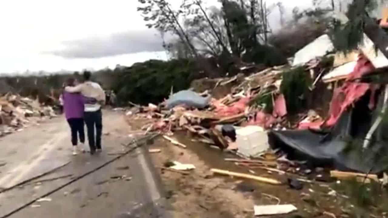Tornado uccide in Alabama: 23 morti
