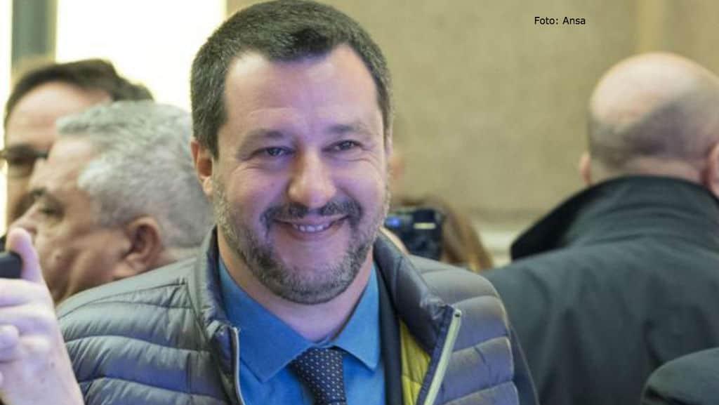 """Salvini: """"Non è possibile acquistare marchi Made in Italy e produrre all'estero"""""""