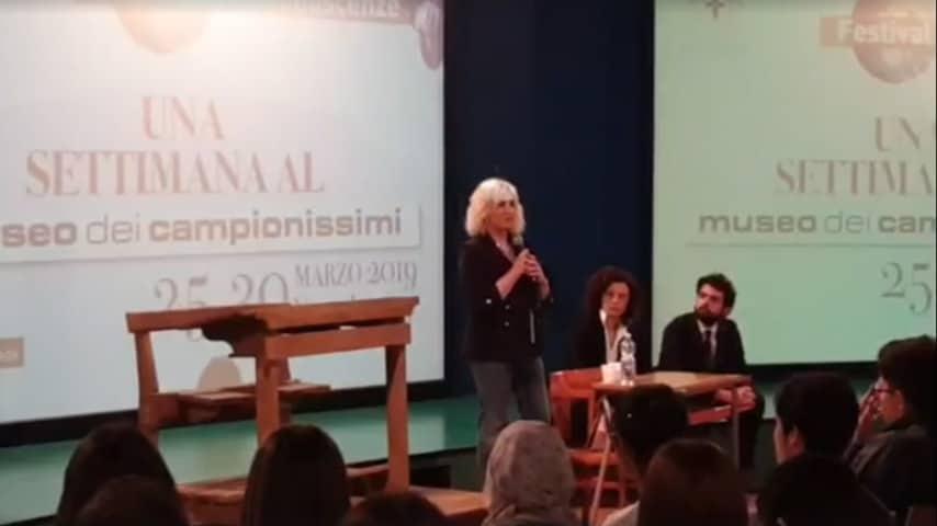 """Antonela Clerici in conferenza al """"Festival delle conoscenze di Novi"""""""