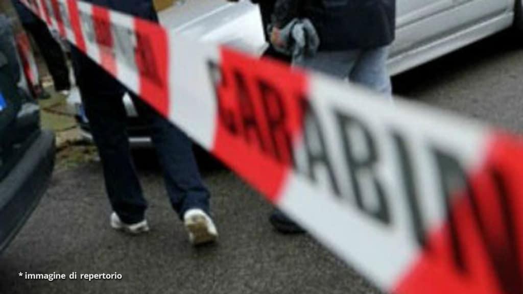 Napoli, 76enne trovata morta legata e imbavagliata a casa sua