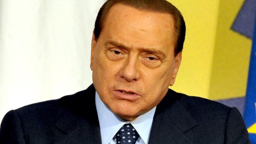 Silvio Berlusconi operato per un'ernia inguinale