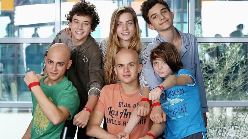 A 8 anni dona i capelli ai malati di cancro: il gesto di Mavì per chi soffre