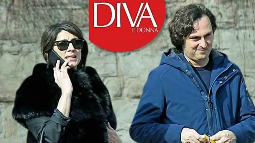Foto di Alessandro Di Paolo e Elisa Isoardi insieme mentre passeggiano