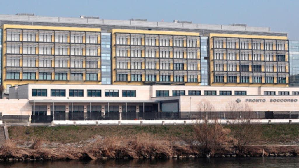 la facciata dell'ospedale di Verona