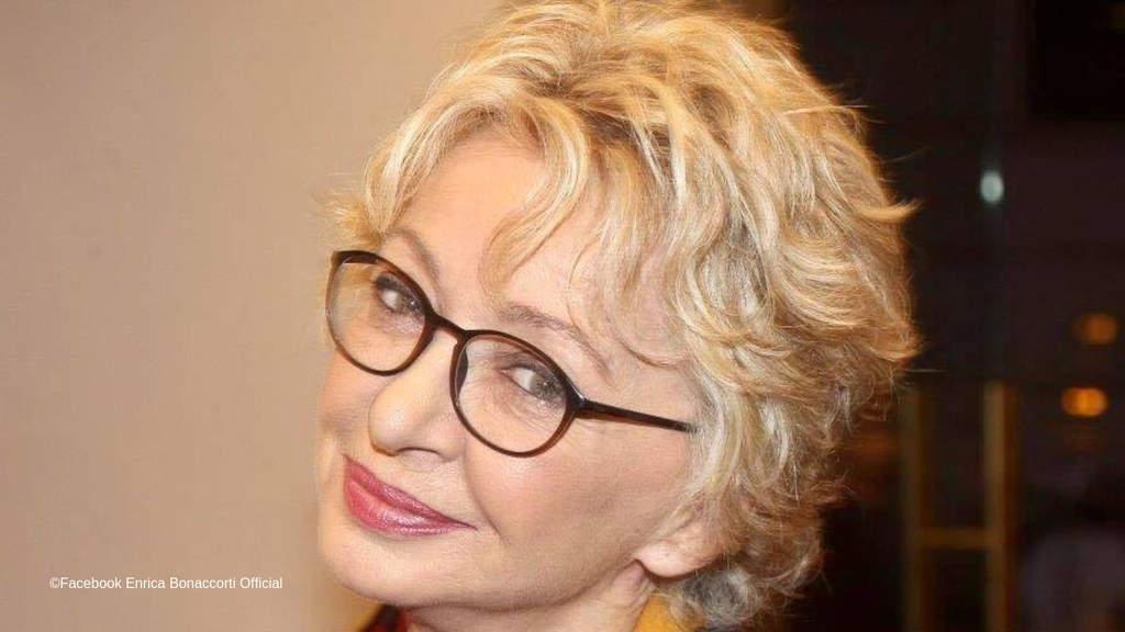 Enrica Bonaccorti racconta due episodi molto diversi tra loro che rappresentano la sua personalità eclettica