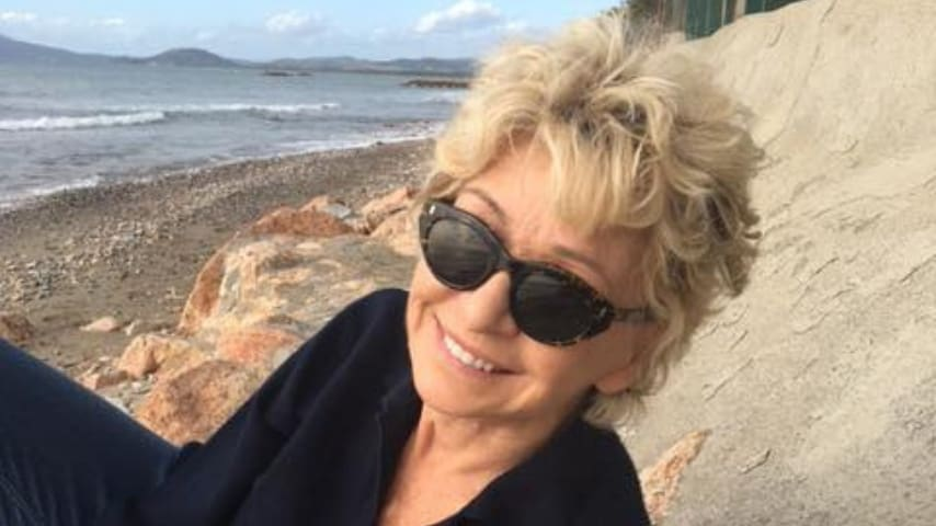 Enrica Bonaccorti racconta due episodi della sua vita che mostrano la sua personalità eclettica