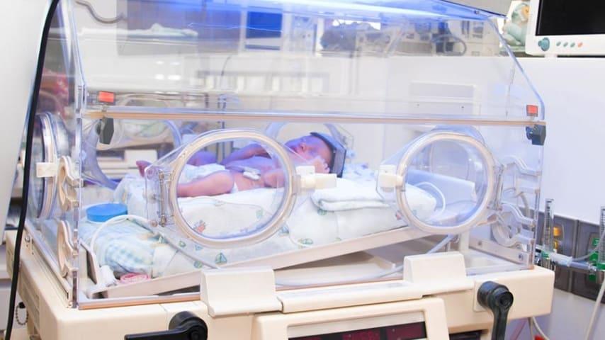 Incubatrice bambini prematuri