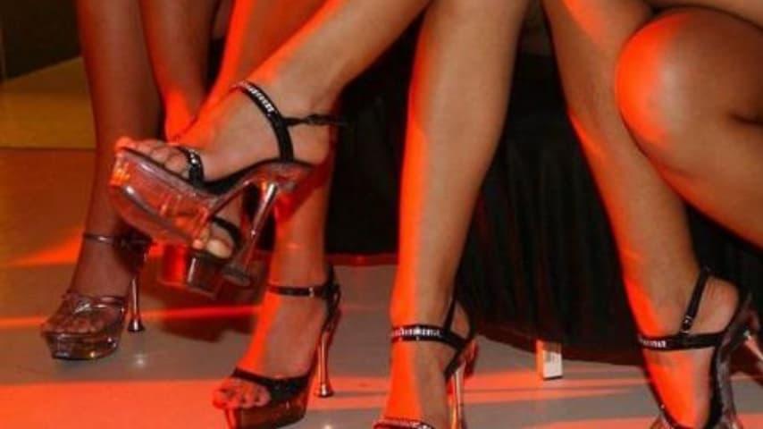 Milano, madre ludopatica costringe la figlia a diventare una prostituta per pagarsi il vizio