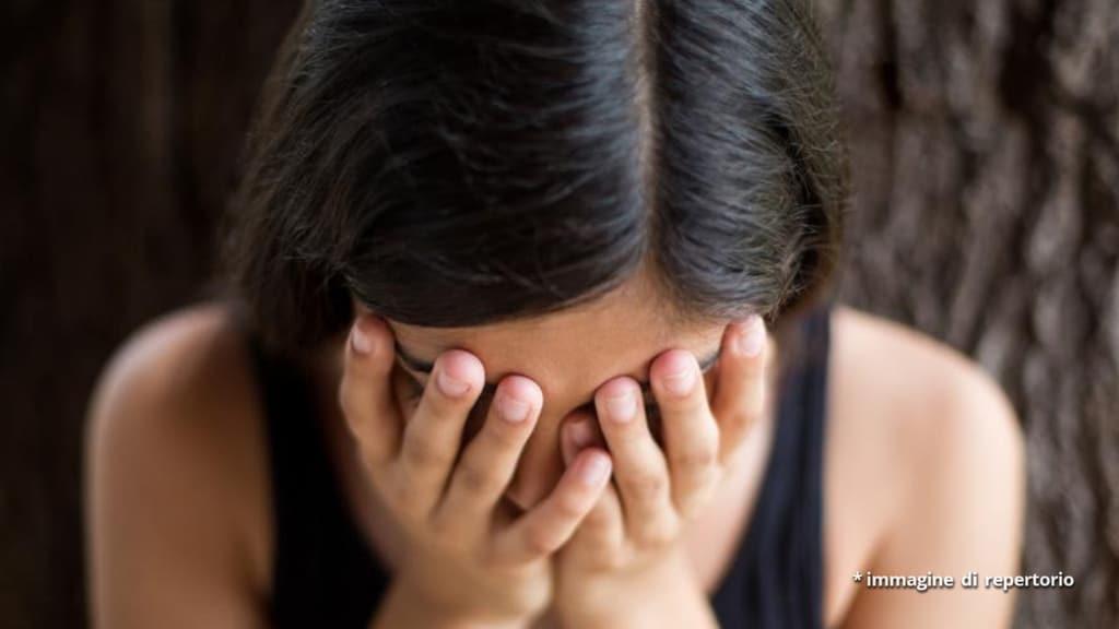 Gioia Tauro: 40enne ridotta in schiavitù per 20 anni, arrestato un aguzzino 70enne e un complice 55enne