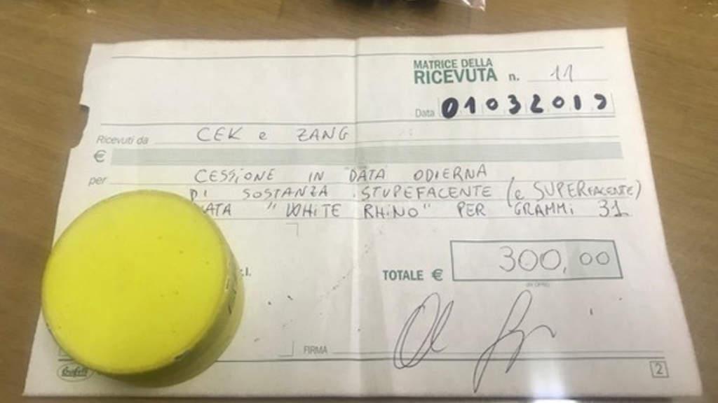 Arezzo, 21enne arrestato per spaccio: rilasciava la ricevuta