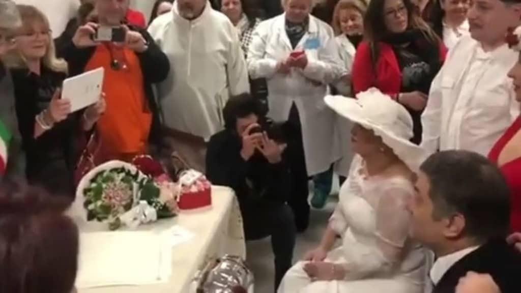 Napoli, aveva sposato il suo compagno all'ospedale prima di morire: non ce l'ha fatta