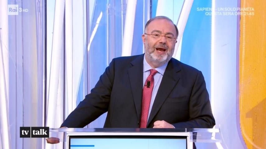 Massimo Bernardini nello studio di tv talk