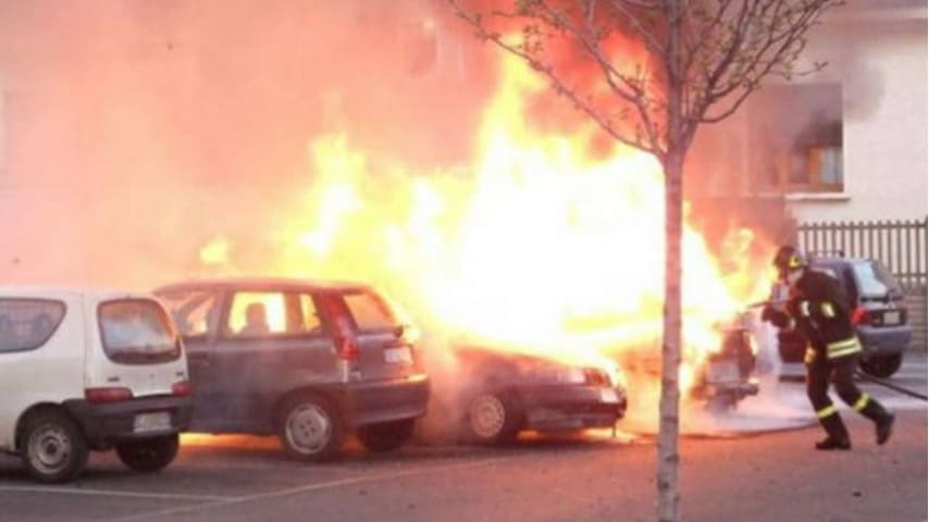 Reggio Calabria, trovata l'auto di Ciro Russo, l'uomo che ha dato fuoco alla sua ex moglie
