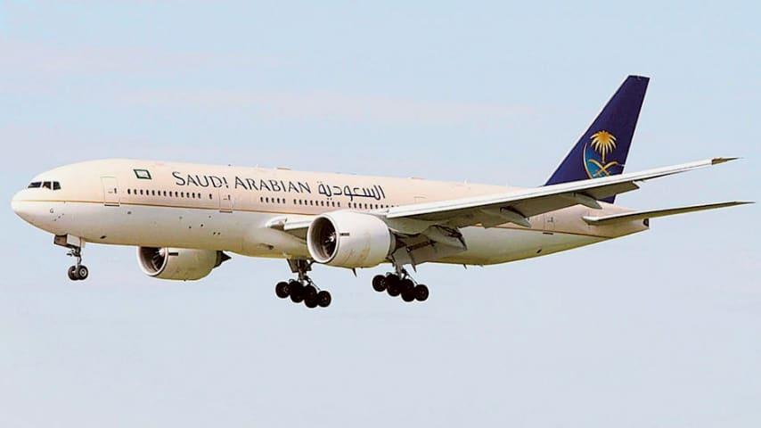 Sos in volo: mamma dimentica il figlio al gate, l'aereo torna indietro