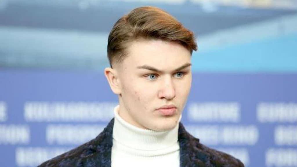 Artem Tkachuk, attore de La Paranza dei bambini, è stato accoltellato