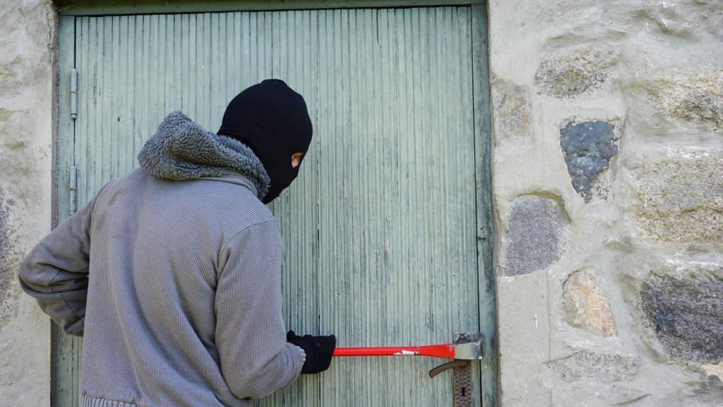 I nascondigli in casa a prova di ladro per soldi e gioielli
