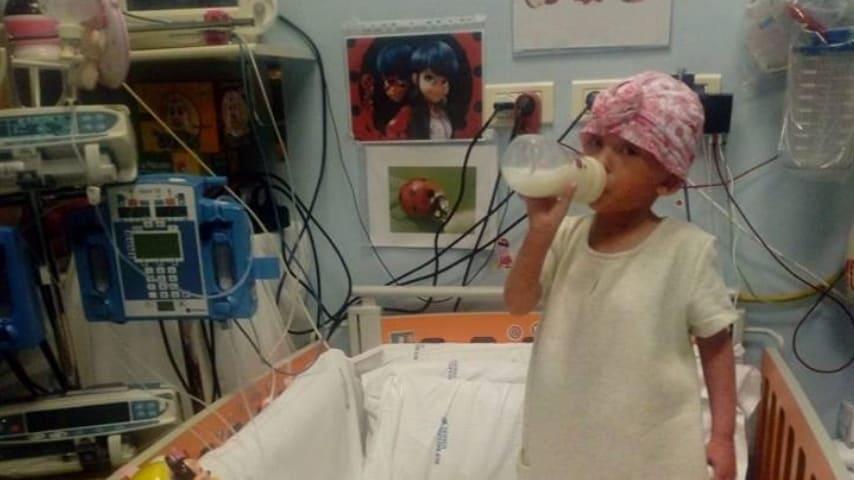 La piccola Elisa nel suo lettino all'ospedale pediatrico Bambino Gesù di Roma. Immagine: Pardini Fabio Per Elisa/Facebook
