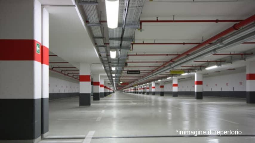 Parcheggio sotterraneo. Immagine di repertorio