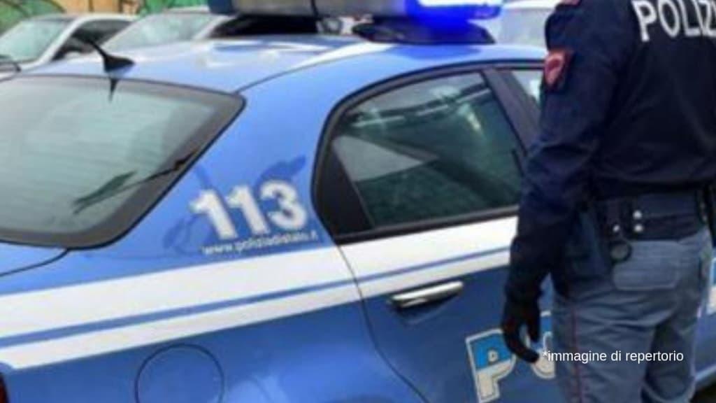 Pesaro, tenta di uccidere il compagno della ex moglie davanti ai loro figli