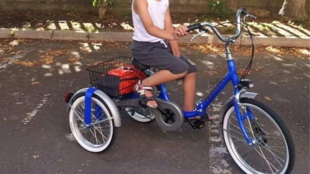 Rubano bici a bimbo disabile, il papà Non importa chi è stato, ridatecela