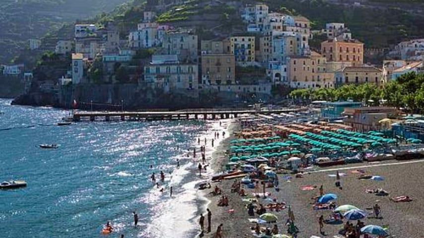 Spiaggia di Minori, Costiera Amalfitana. Immagine: Sito Positano.com