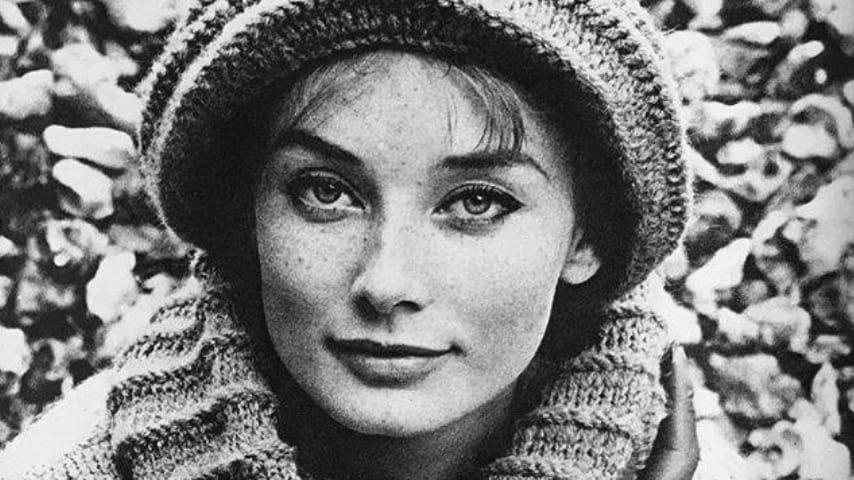 Tania Mallet in una foto del 1960. Fonte: Tania Mallet Fanpage/Facebook.jpg