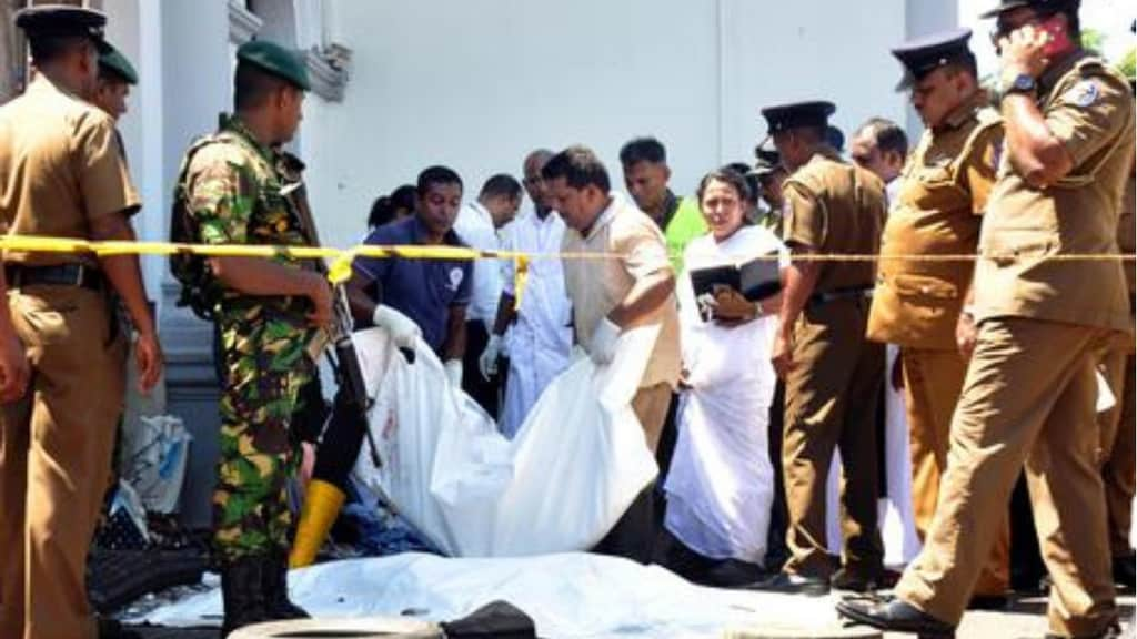 Attentati in Sri Lanka: Isis rivendica la mattanza