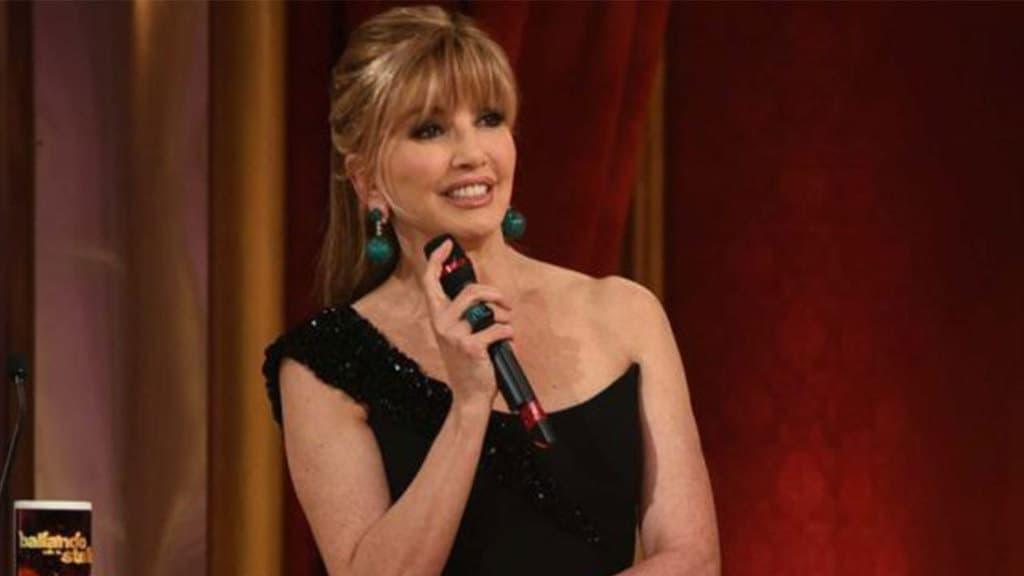 Ballando con le stelle: Manuela Arcuri rischia di cadere in diretta