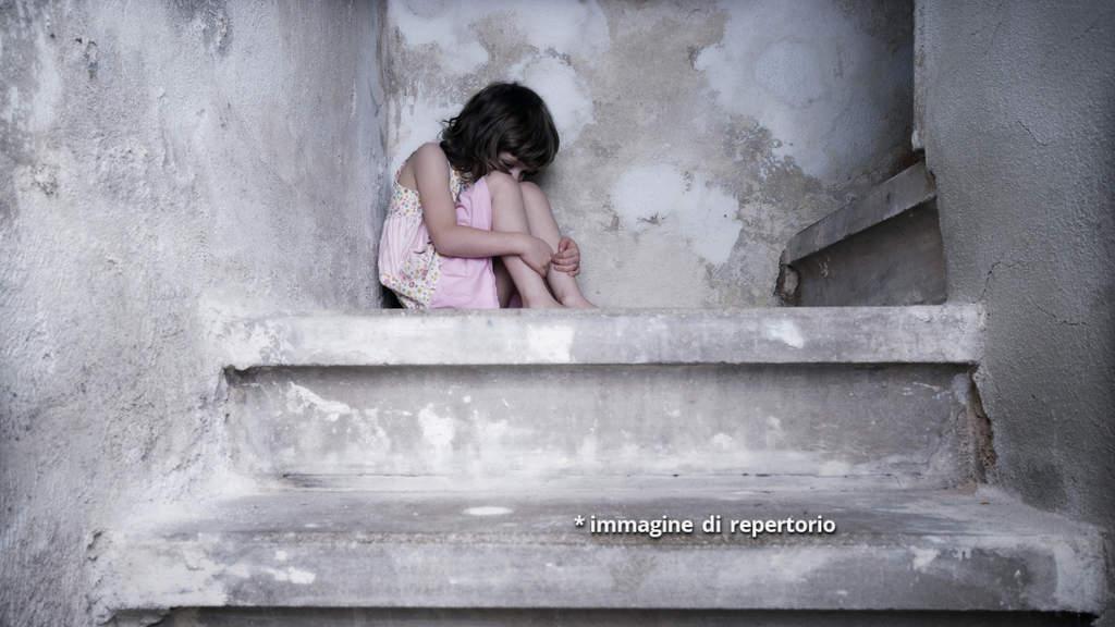 bambina violenza repertorio evidenza