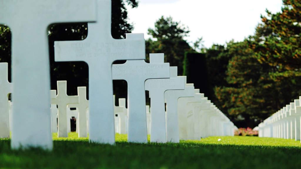 croci nel cimitero